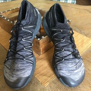 9.5 Merrell  tennis shoes. BRAND NEW